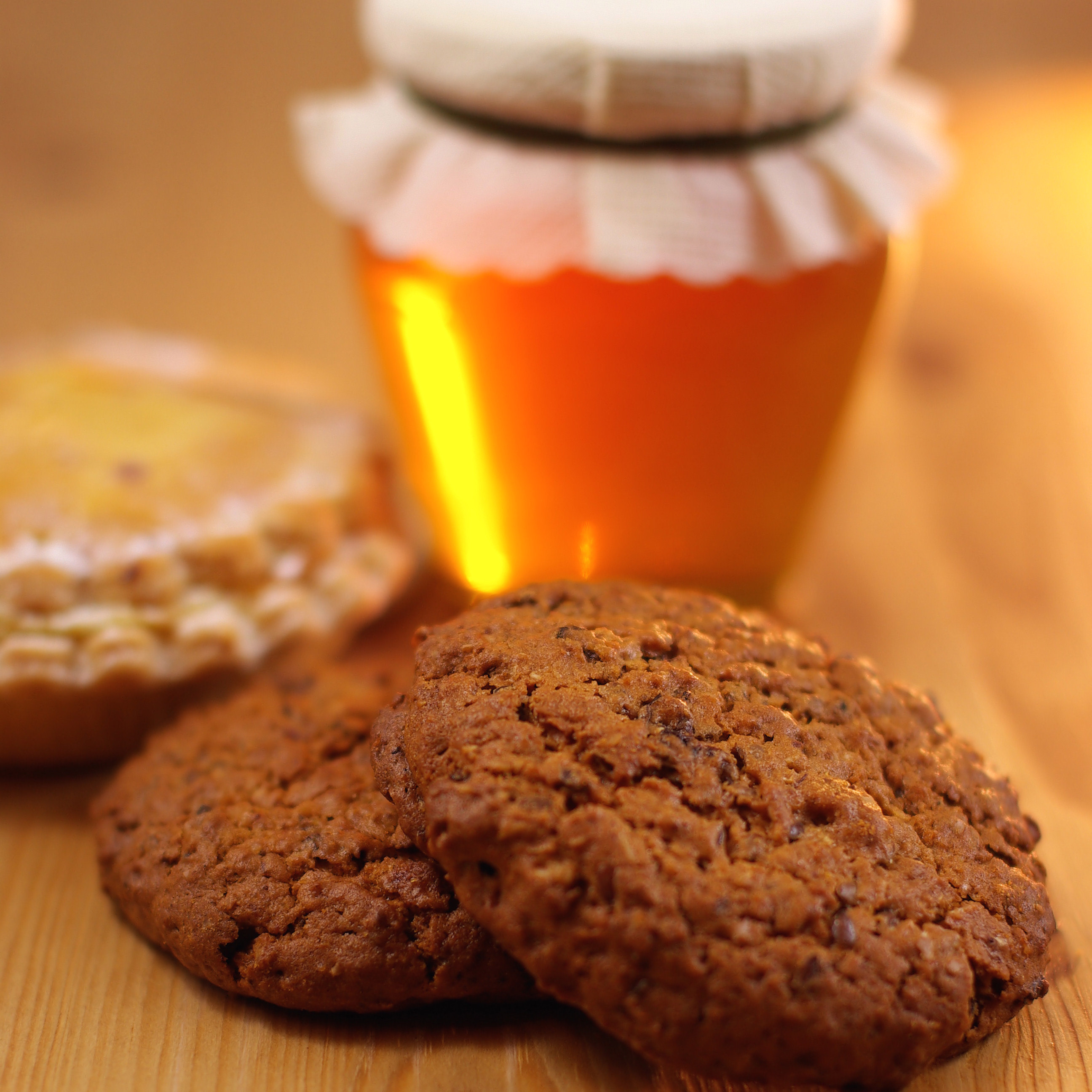 Delicious honey biscuits | Horio