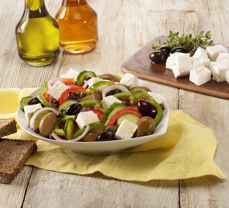 Fresh salad with Horio light white cheese