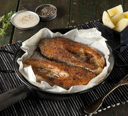 Grilled salmon filet with butter sauce