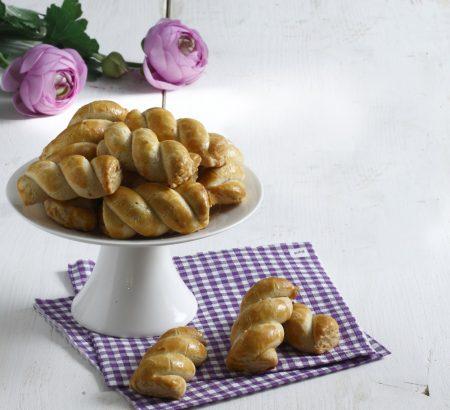 Πασχαλινά κουλουράκια από τον Ηλία Μαμαλάκη