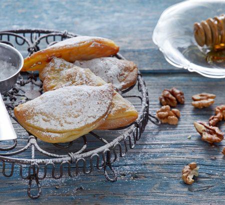 Σκαλτσούνια με μέλι και καρύδια