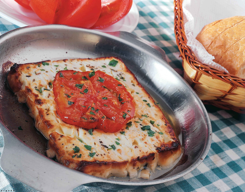 Πώς να φτιάξετε σαγανάκι με φέτα ή γραβιέρα