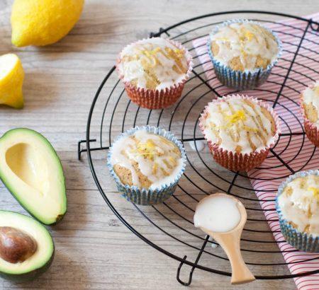 Νηστίσιμα γλυκά μάφινς με αβοκάντο και λεμόνι