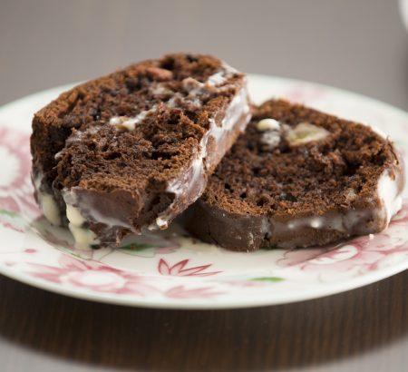 Κέικ σοκολάτας με μπανάνα και γλάσο στιγμής