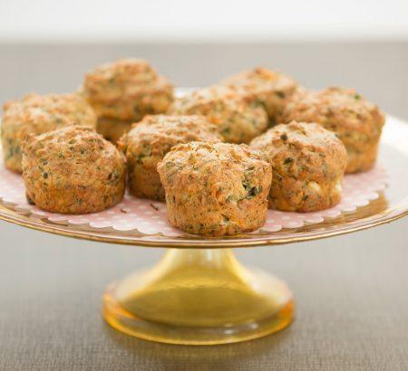Muffin φέτας με πράσινο πιπέρι & καρύδια