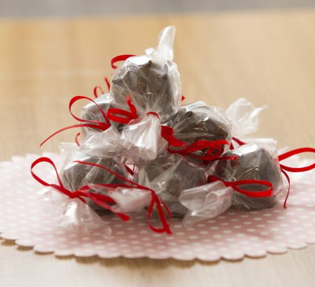 Tρουφάκια καρύδας με επικάλυψη σοκολάτας