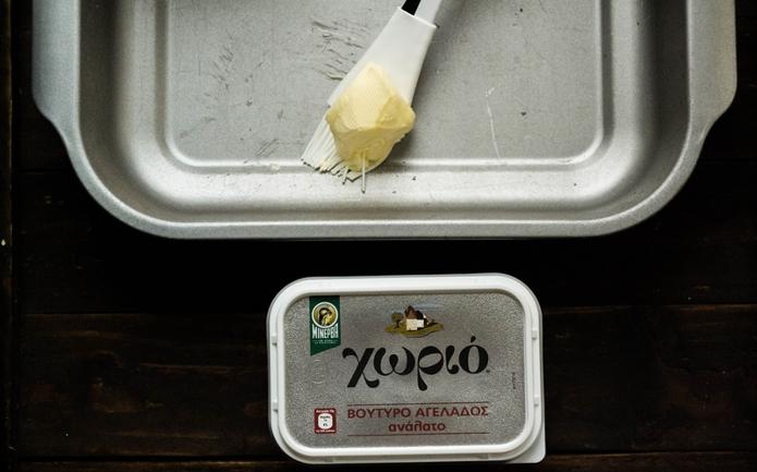 Μελόπιτα με ανθότυρο ή μυζήθρα και βούτυρο αγελάδος Χωριό
