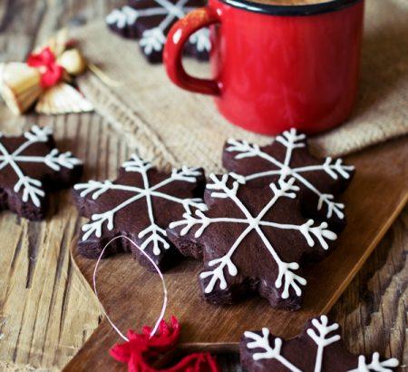 Μπισκότα πιπερόριζας (Gingerbread cookies)