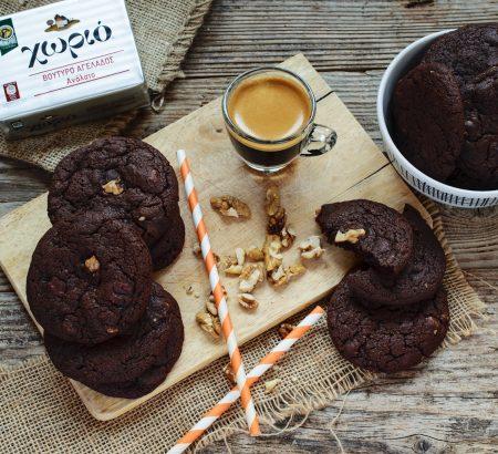 Σοκολατένια cookies με καρύδια