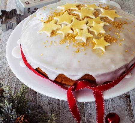 Βασιλόπιτα-κέικ με εσπεριδοειδή και φουντούκια
