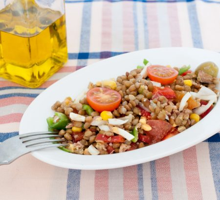 Σαλάτα με φακές μεσογειακή