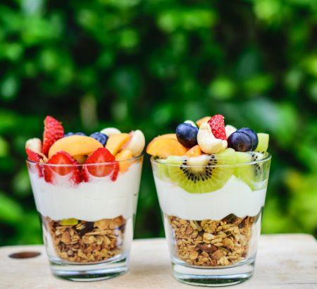 Σπιτικά δημητριακά με φρούτα και ξηρούς καρπούς (granola)