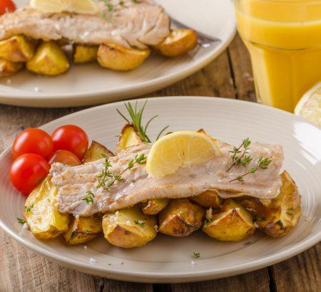 Φιλέτο ψαριού στο φούρνο με λαχανικά από τον Δημήτρη Σκαρμούτσο